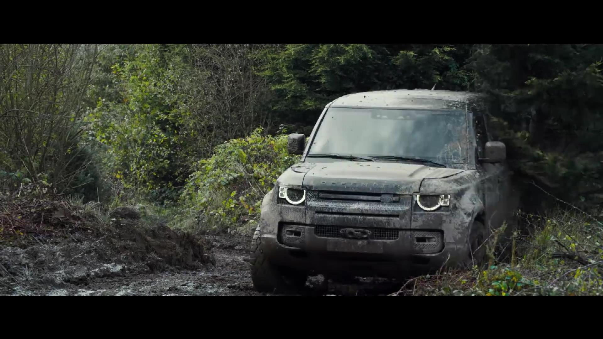 Land Rover Defender: No Time to Die